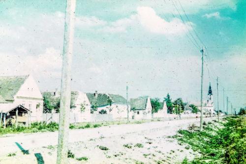 Titova od M.Oreškovića ka centru, leva strana