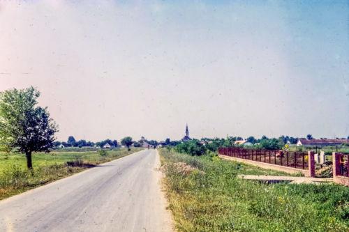 ulaz u Maglić pored groblja